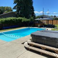 Beautiful Big Home With Inground Pool & Hot tub!!!