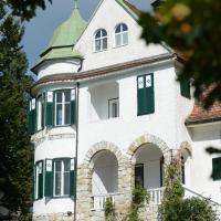 Seeappartements Eden, Hotel in Pörtschach am Wörthersee