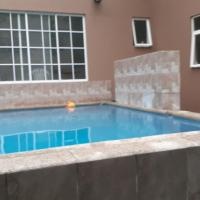 Casa 4 dormitorios + piscina, hotel em San Miguel