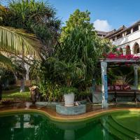 Banana House and Wellness Centre, hotel in Lamu
