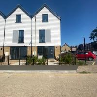 Whitstable Townhouse by the Sea