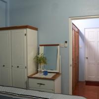 Ocean Views and Hospitable Hosts, hotel near George F. L. Charles Airport - SLU, Castries