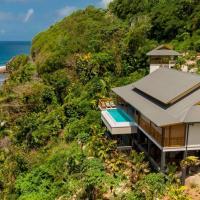 Paradise Chalets Yoga & Wellness, hotel in Takamaka