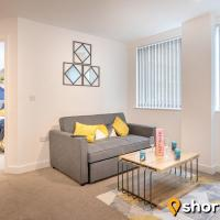 SHORTMOVE - Modern, Self contained 2 Bed, Parking, Central