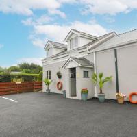 Tan Y Barn Cottage, Brynteg, hotel in Llanallgo