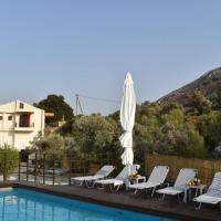 Amare beautiful villa with privacy and a lovely pool, hotel in Amárion