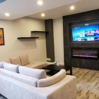 Brand new separated entrance Apartment Suite, hotel em Ottawa
