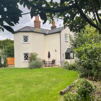 Cosy detached Toll Cottage with spacious garden