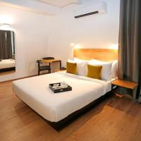 FabHotel Wedlock, hotel in Gurgaon