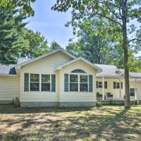Upscale Family Home Less Than 1 Mi to Higgins Lake!