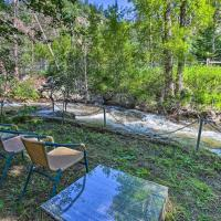 Idaho Springs Cottage with Creek Access and Grill, hotel in Idaho Springs
