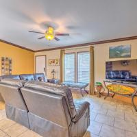 Waterfront Weeki Wachee Home SUP, Kayak and More!, hotel in Spring Hill