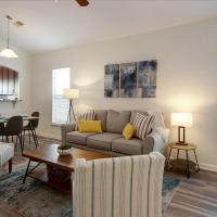 Quiet Pooler location by SAV airport - Fast WiFi, hotel in Pooler
