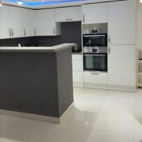 Lovely 2-Bed Apartment in Coventry