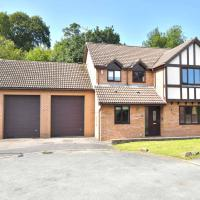 The Glade: A gorgeous, and huge detached holiday home!