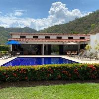Finca Palmeto, Santa Fe de Antioquia, hotel in Santa Fe de Antioquia