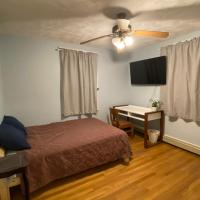 Quiet&spacious 1br near Quincy Center, hotel in Weymouth