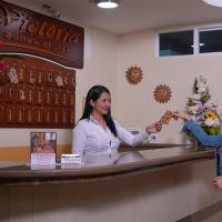 Victoria Suites Hotel, hotel em Santo Domingo de los Colorados