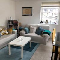 Quiet Private Entrance with Spacious One Bedroom