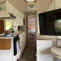 Amazing Airstream, Beaufort, SC-Enjoy the Journey, hotel in Beaufort
