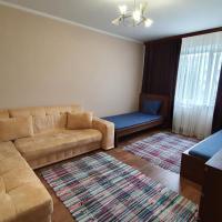 Просторные 2-к апартаменты, hotel in Kogalym