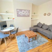 Spacious Two Bedroom House - FREE PARKING