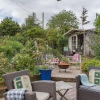 Traditional holiday home with lovely garden - The Wicket