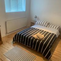 Cozy 1 Bedroom Basement Flat