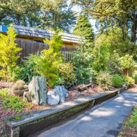 Windswept 70s Inspired 3BR! Parking & Great Views! home, hotel in Mill Valley