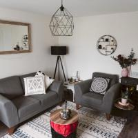 Pass the Keys New Modern 2 bed home Glasgow Airport with parking, hotel near Glasgow Airport - GLA, Paisley