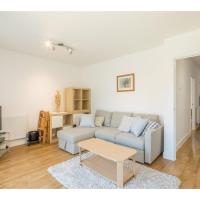 Pass the Keys Modern 2 Bed Property with Balcony and Garden