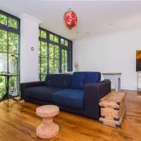 Cosy 2 Bedroom Flat with Great Outdoor Balcony