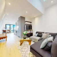 Stunning 1 Bedroom Apartment With Roof Terrace