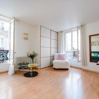 Bright and lovely parisian apartment