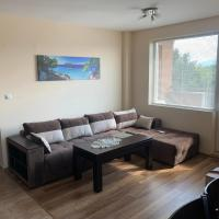 Bright two bedroom apartment near downtown, hotel in Sofia