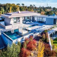 Luxury villa in a Golf Course