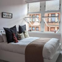 newly renovated 2/3 bedroom flat close to the botanical gardens Glasgow, great location for Cop26