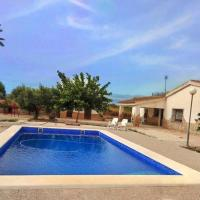 Villa rústica privada con gran chalet y piscina