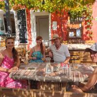 Rodinné vinařství Mikulenkovi, hotel a Žernoseky