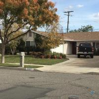 Quaint Lovely 2 Bedrooms House-Convenient located, hotel in Simi Valley