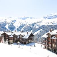 Sunny two bedroom apartment with mountain views