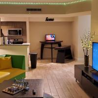 Comfortable & Friendly 3-bedroom Sleeps 6 Adults 11 with kids Entire Unit!, hotel in Miami
