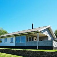 Three-Bedroom Holiday home in Allinge 1