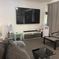 3 bedroom house near etihad stadium strictly for Families