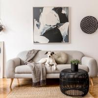 3 Bedroom Luxury Home - Secure Parking with Garden