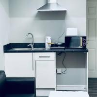 Studio Flat With Private bathroom and kitchen
