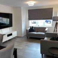 Lovely 2 double bedroom condo with Private Parking