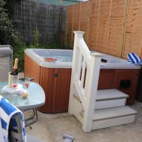 Palm 2 Park Home With Hot Tub