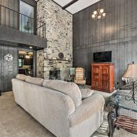 Striking Caney Fork Getaway with Patio and Grill!, hotel in Silver Point