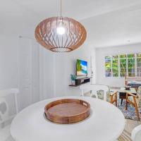One-Bedroom Mid-century flat in Miami Beach